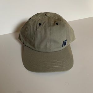 NEW BALANCE (adjustable hat)